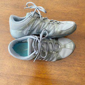 Nike Musique IV Size 7 Dance Cheer Zumba Sneaker